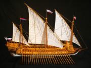 модель парусной галеры Двина Петровского флота для подарка и коллекцио