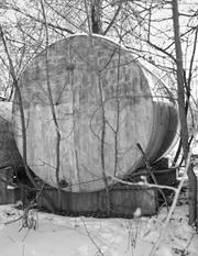 Резервуар цилиндрической формы большой /объём 25, 5м/