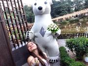 Ростовая кукла Гигант Белый Медведь