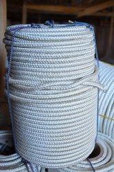 Капроновая веревка,  диаметром от 3 до 14 мм.
