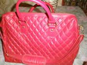 Новая, женская, стильная, кожзам, красная сумка для ноутбука или нетбука.