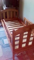 Продам детскую кровать бу