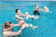 Плавание для грудничков в Центре обучения плаванию Деснянского района