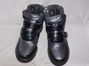 Ботинки серебристые 35-36 размер (22,  5см. )  (продам)