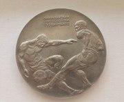 Настольная медаль Олимпийский футбольный турнир Киев