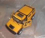 Машинка модель 1:27 Hummer H2-Maisto