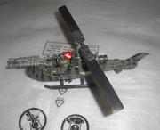 Военный игрушечный вертолет
