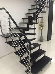 Комплектующие для лестницы на цепном косоуре на складе в Киеве.